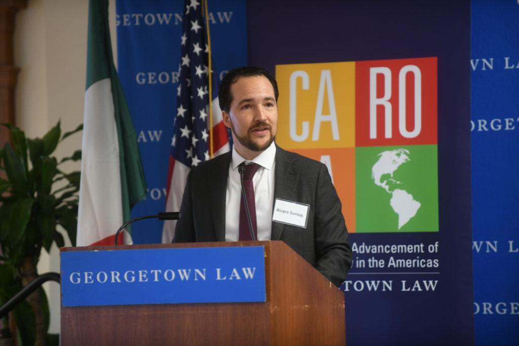 Alvaro Santos adressing the audience