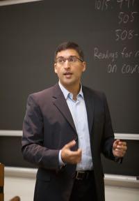 Neal Katyal teaching in class