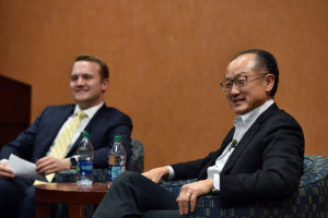 Brian Fiske (L'19) leads a discussion with Dr. Jim Yong Kim, president of the World Bank and one of the founders of Partners in Health, at Georgetown Law on March 7.