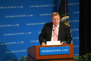 L. Francis Cissna (L'95), director of U.S. Citizenship and Immigration Services (USCIS) at the U.S. Department of Homeland Security, delivered the keynote address at the 15th Annual Immigration Law and Policy Conference at Georgetown Law on October 1.