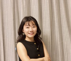 Photograph of Lois Zhang